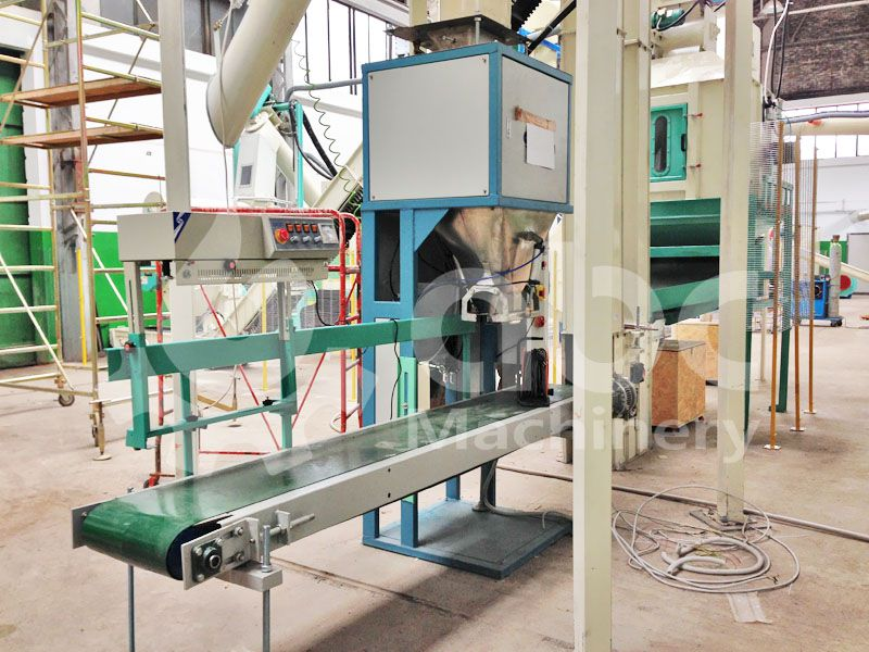 automatic wood pellets bagging machine of the complete plant