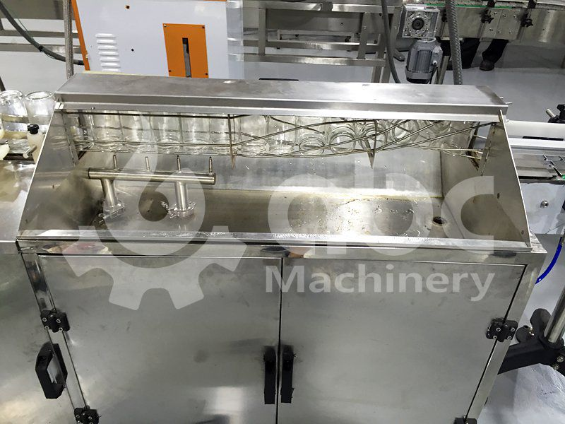 bottle washer included in the filling line