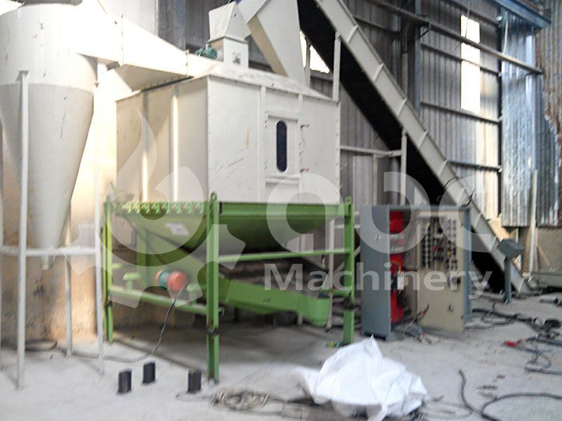 cooling machine for finished wood pellets