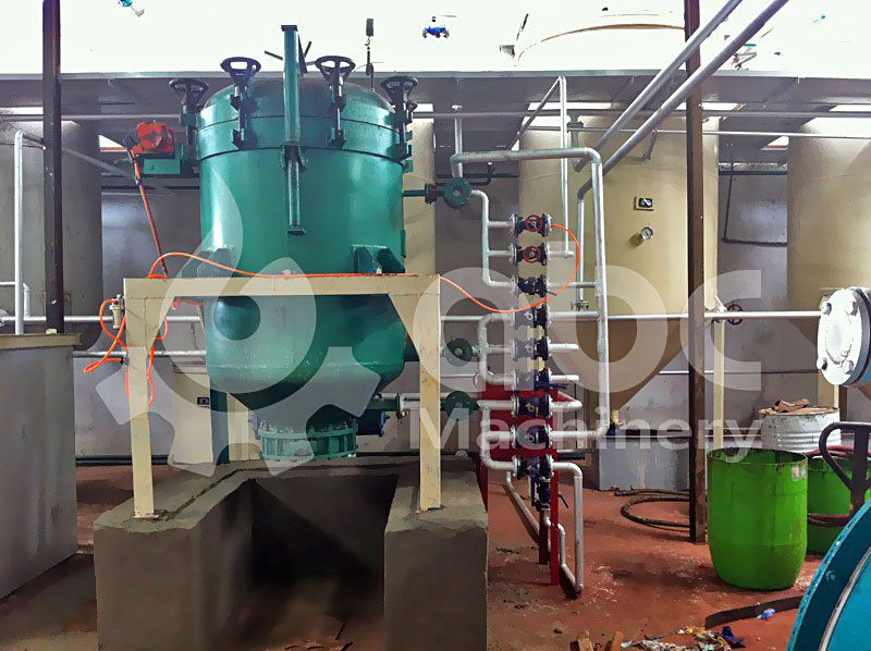 leaf filter machine included in the vegetable oil  refinery