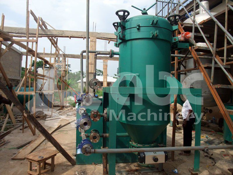 leaf filtering machine in cluded in the refining mil
