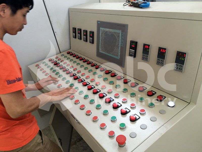 PLC System of the crude oil refinery line