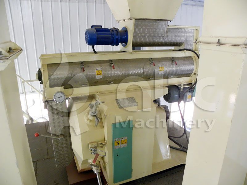 poultry feed mill machinery for medium sized feed making company