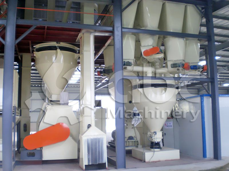 feedstuff mixing machine in large poultry feed milling workshop