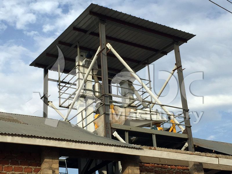 top of the chicken feed manufacturing line - screen sieve
